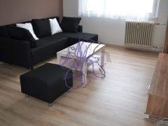 Debrecen, Füredi út - Bright and spacious 3 beds flat clost to Economics Faculty