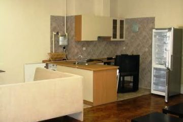 Debrecen, Bajcsy-Zsilinszky utca - Calm home for 2 next close to tramline and partyplaces