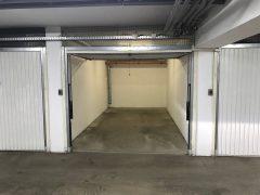 Debrecen, Komlóssy utca - Garage is for rent next to Uni