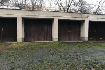 Debrecen, Poroszlay út - Garage close to Uni