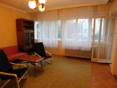 Debrecen, Weszprémi utca - Three bedrooms flat close to tramline