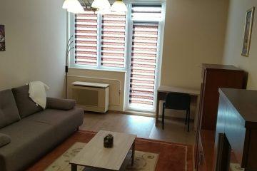 Debrecen, Rózsahegy utca - One bedroom + livingroom flat close to Kassai